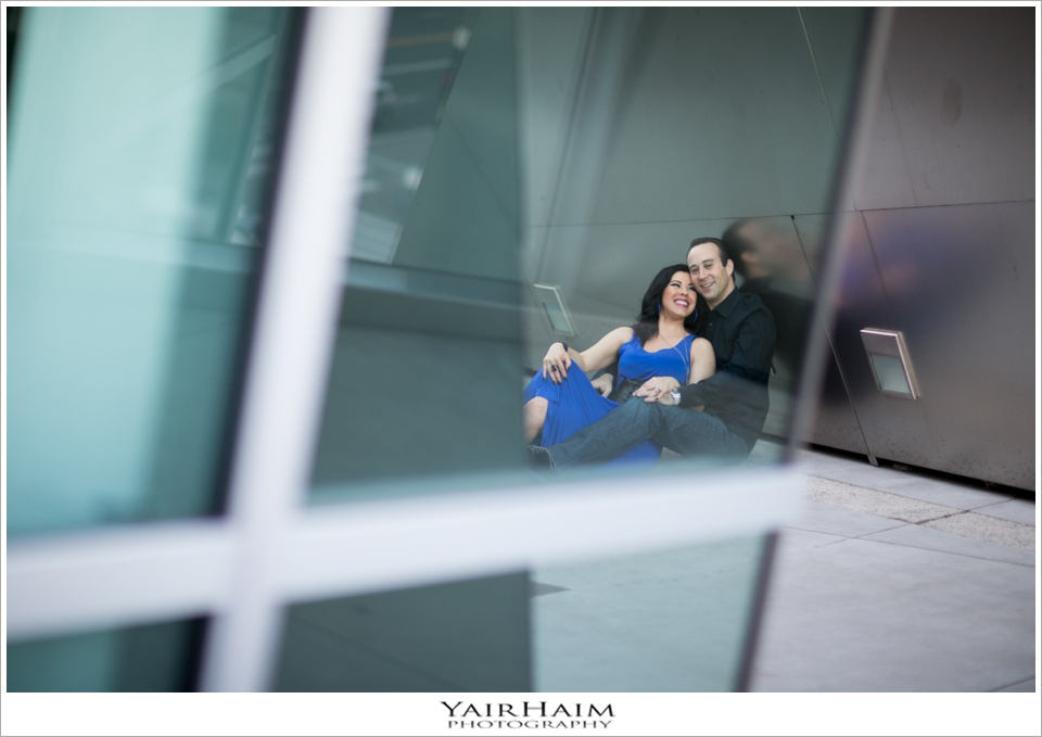 Disney-Concert-Hall-engagement-pre-wedding-photos-19